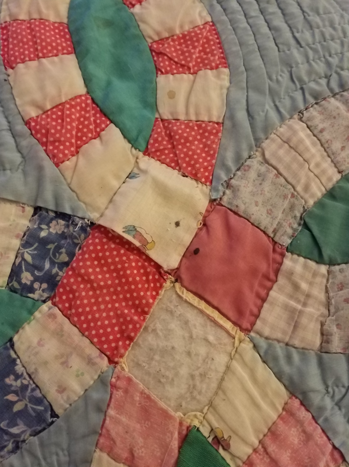 a young frayed quilt